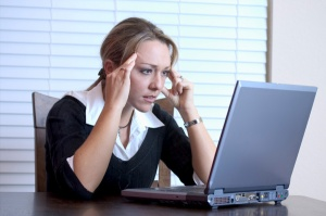 frustrated-woman-at-work